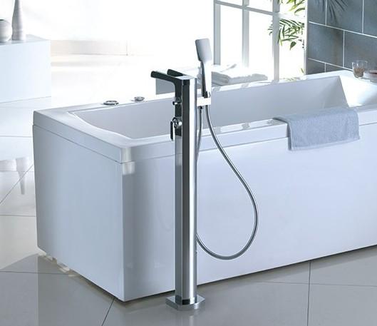 F8022 - Artos Kascade Free Standing Tub Faucet w/handshower